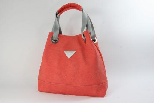 Pomarańczowe torebki listonoszka