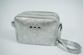 Mała torebka listonoszka z dwoma przegrodami 017